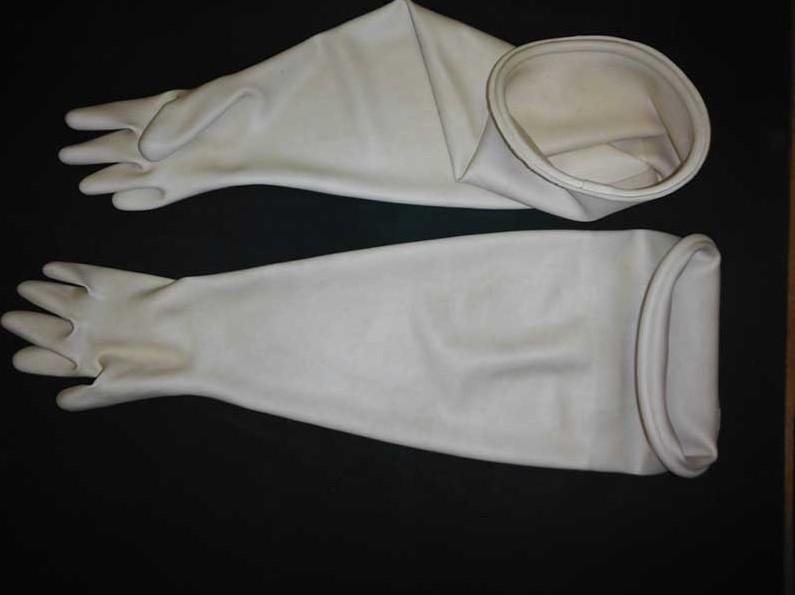 Перчатки камерные с удлиненной крагой белые